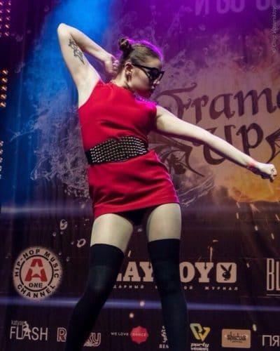 Сазонова Даша танцы