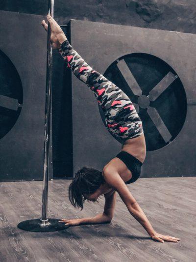 Вика Космина pole dance